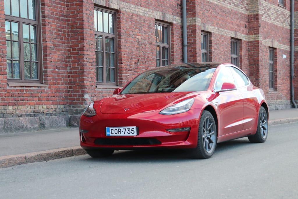 Tesla Model 3 Hinta